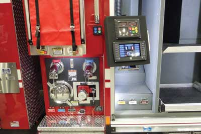 (8) All hose connections are low for easy connection on the CORE pump module. The fully electronic pump panel swings out of the first compartment.