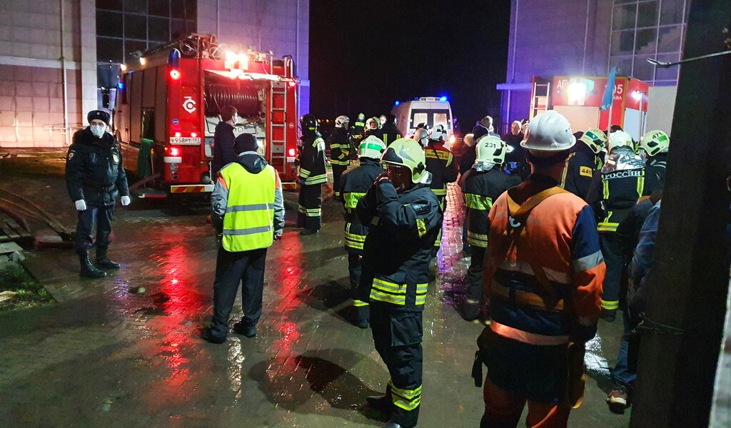 Emergency personnel at scene of Moscow retirement home fire