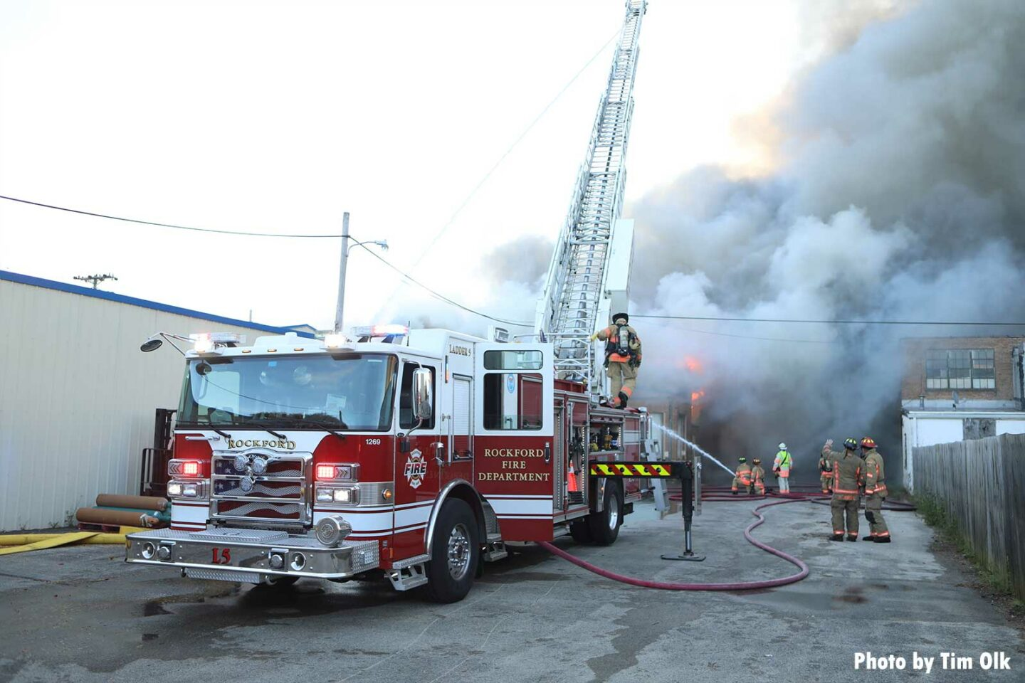 Rockford aerial setup at structure fire