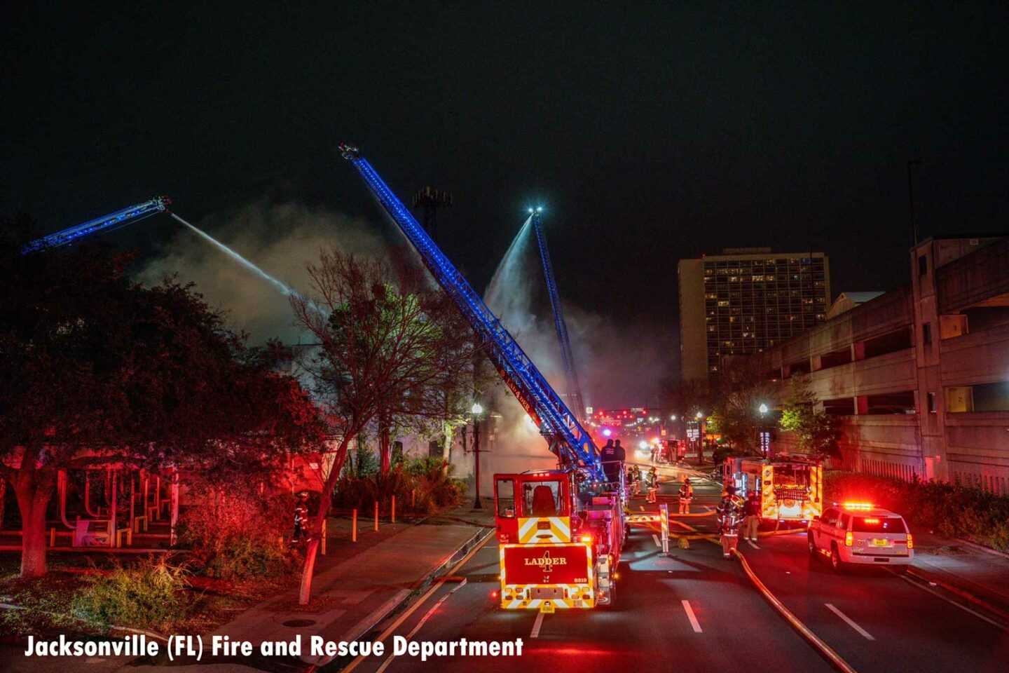 Multiple aerials in use at Jacksonville commercial fire