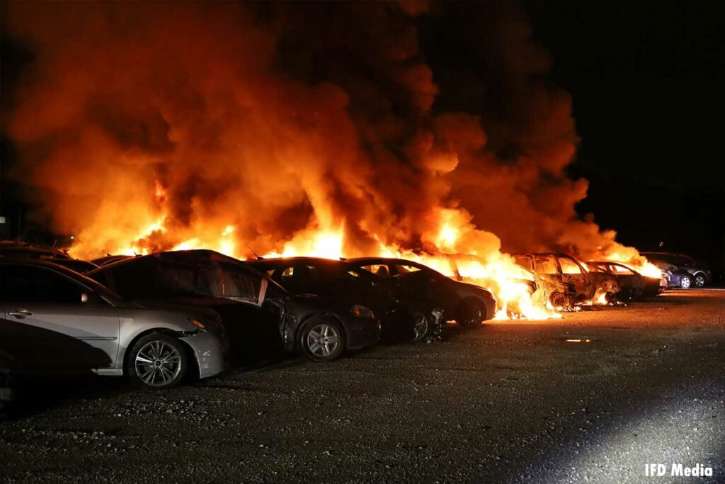Flames burn multiple vehicles in Indianapolis